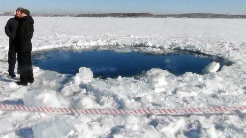 russia-meteor-strike-lake_64337_610x343