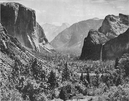 yosemite valley from Wawona road