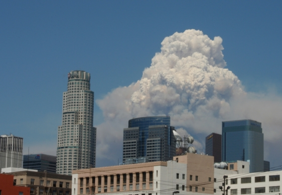 Aug2009_LA_Fire cloud