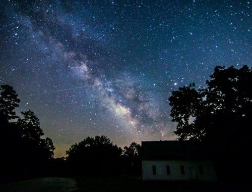 meteor-Eta-Aquarid-5-6-2016-darla-Young-Carthage-AR1-e1466811727327-1.jpg