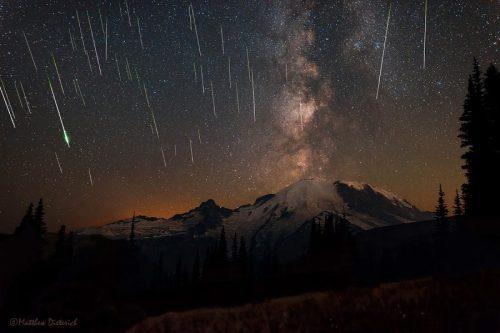 meteors-8-12-2015-Perseids-Matt-Dieterich-Mount-Rainier-Natl-Park1-e1466808989401