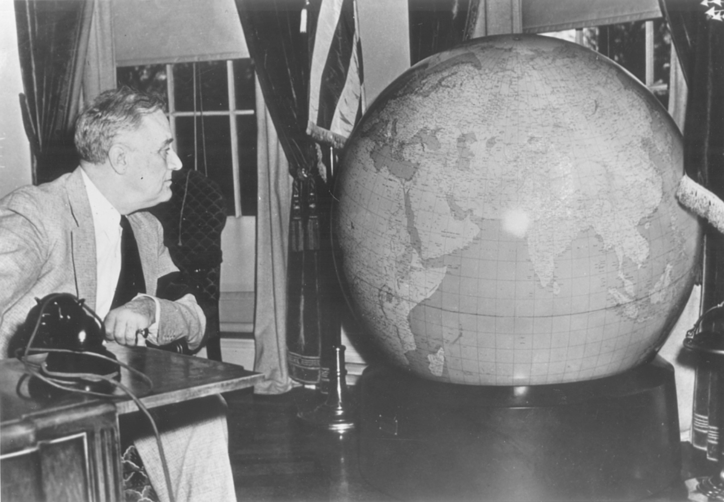 Roosevelt and Globe.png