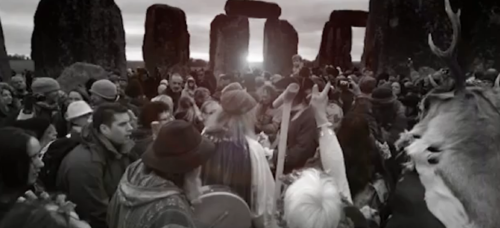 stonehenge solstice bw