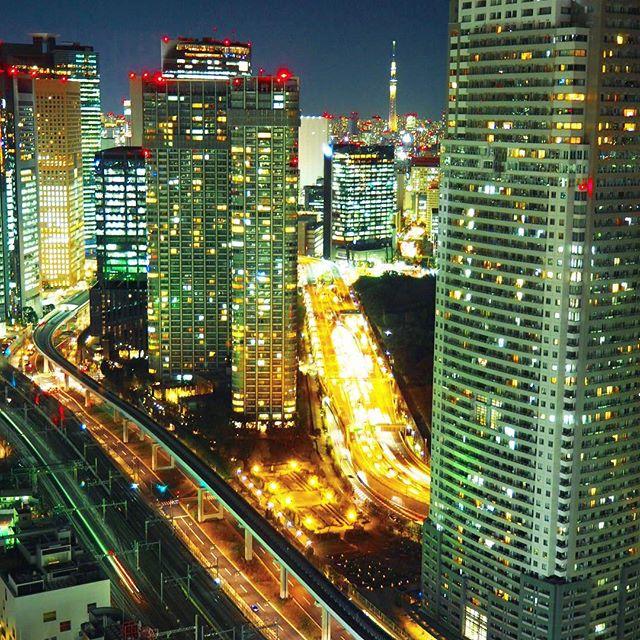 tokyo tower freeways.jpg