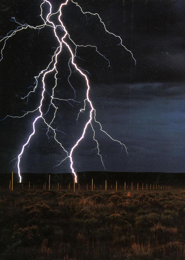 de-maria-lightning-field-1.jpg